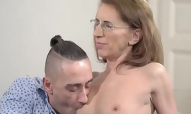Kinky Psychiatrist Lusty Grandmas - Viol, Mugur