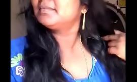 Kerala Istri Menampilkan Tubuh bagian - bagian - 06% 2F10