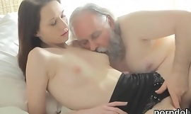 Cuddly college girl acquires seduced and screwed by her senior schoolteacher