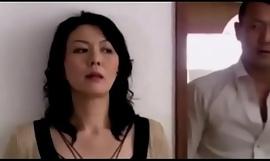 Moglie giapponese scopata insieme all'amante del marito P.1
