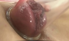 Pumping approximately her pussy so its ready to fianc'