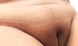 Thick slut live show shaved tiny pussy