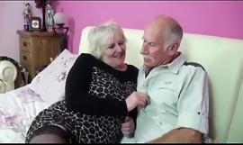una experiencia voluptuous de una pareja de adultos