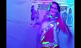 Karo pyar mujhe karo hot dance
