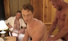 GAYCEST - Dad sees his old egg getting fucked by hung muscle padre