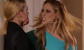 Glamcore lesbians scissoring after secret sexual connection