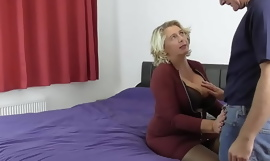 Mature wife invites neighbor be worthwhile for anal sex