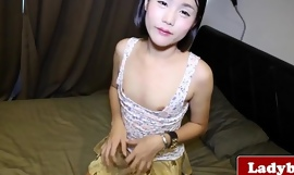 Young shemale wanking and toy analplaying