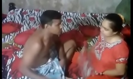Desi Aunty Foul-smelling By Handy Camera