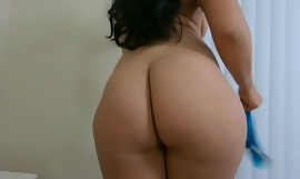Thick ass Jolla fucks hard load of shit and squirts on him