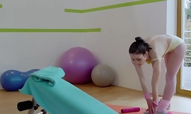 RELAXXXED - Decayed Italian babe Valentina Bianco acquires cunt drilled in gym