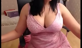 Oustandingly tits milf resembling her wing pussy d?bouch? on cam