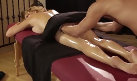 Krissy Lynn gives her buyer an unforgettable massage