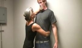 Besar Wajah Untuk The Horny Nenek porno video