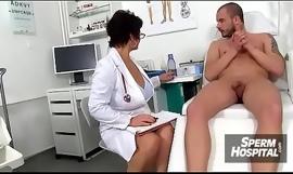 Ceko dokter anak Koko wanking a remaja 10-Pounder